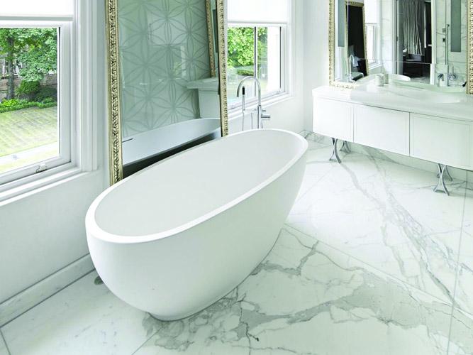 Marmerlook tegels in de badkamer tegels laminaat