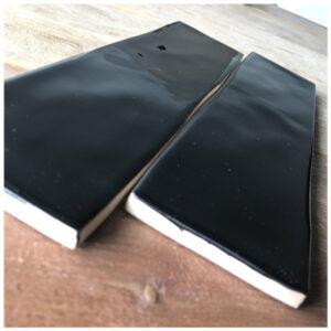 Handvorm tegel 7,5x30 Zwart Glans