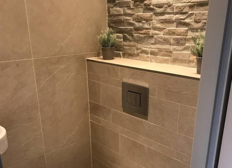 Tegels Badkamer Stroken : Tegelstroken in de badkamer u tegels laminaat