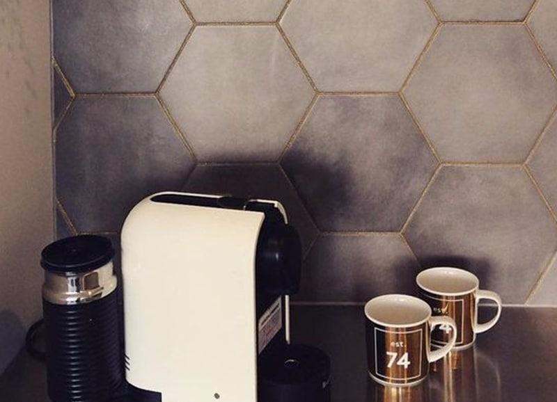 Keuken Beige Tegels : Zeshoekige hexagon tegels in de keuken tegels laminaat