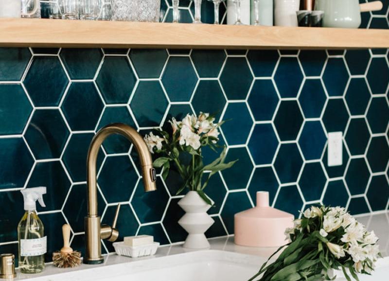 Tegels Keuken Honingraat : Zeshoekige hexagon tegels in de keuken u tegels laminaat