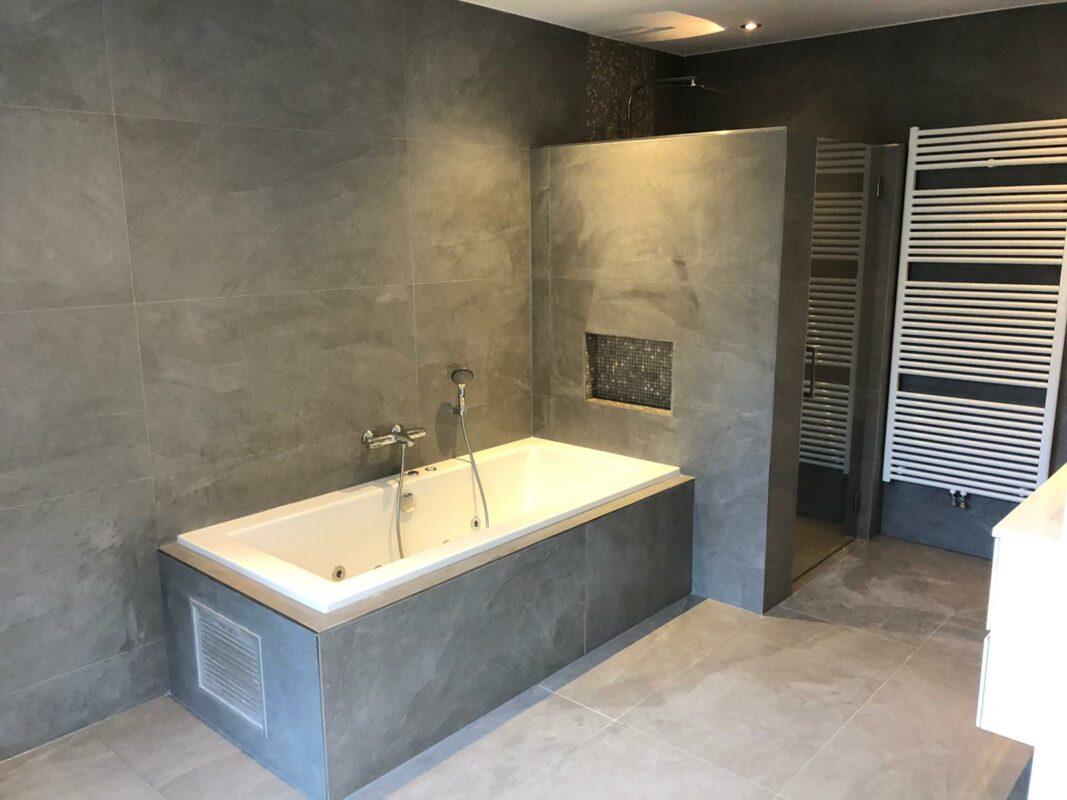 Grote Wandtegels Badkamer Laat Je Inspireren Tegels Laminaat