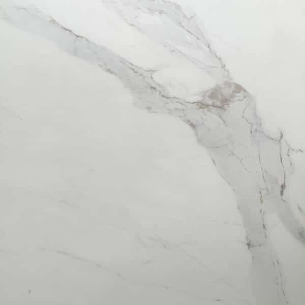 Marmerlook Tegels - 100x100 TBE Statuario Satijn Gebroken Wit