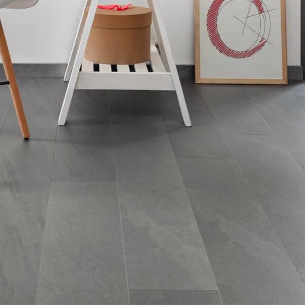 PVC Tegel - COREtec Ceratouch Katla 0495C Leisteenlook 122x18 Sfeer