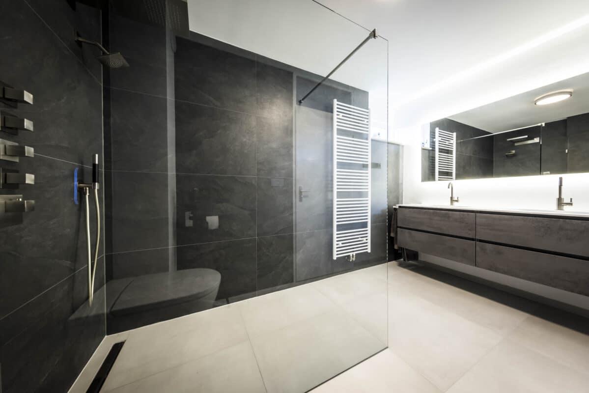 Leisteenlook Betonlook Tegels Badkamer