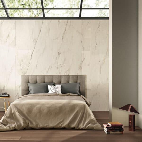 Marmerlook Tegel Slabs 260x120 - TR-CRE Marble Gebroken Wit Creme Hoogglans Sfeer