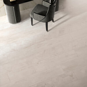 Versace Ceramics - Eterno White Wit 26,5x180 Houtlook Versace Tegels Sfeer